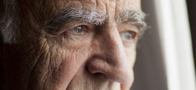 Hallan una molécula clave para enfrentar el Parkinson